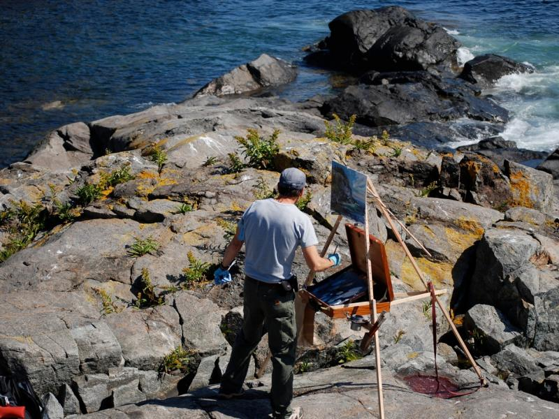 Stan Moeller on Gull Cove, Monhegan Island, with Take It Easel
